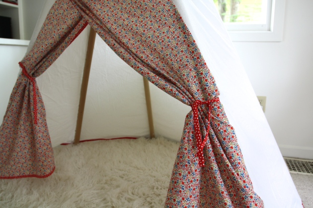 DIY teepee on redhousewest.com